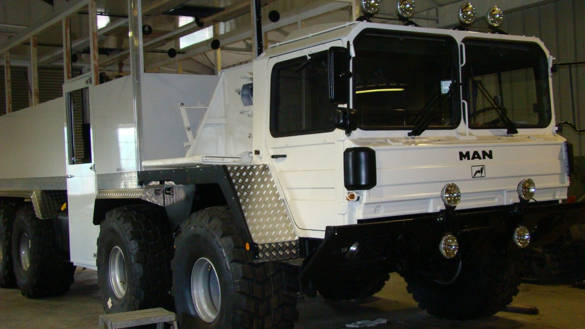 man 464 8x8 off road passenger vehicle used military trucks for sale the uk mod direct sales. Black Bedroom Furniture Sets. Home Design Ideas