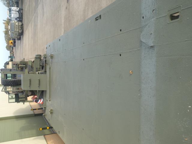 Broshuis Низкорамный Трейлер | Конверсионная техника с военного хранения