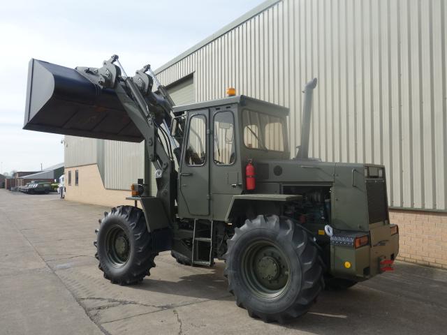 Volvo 4200 фронтальный погрузчик | Конверсионная техника с военного хранения