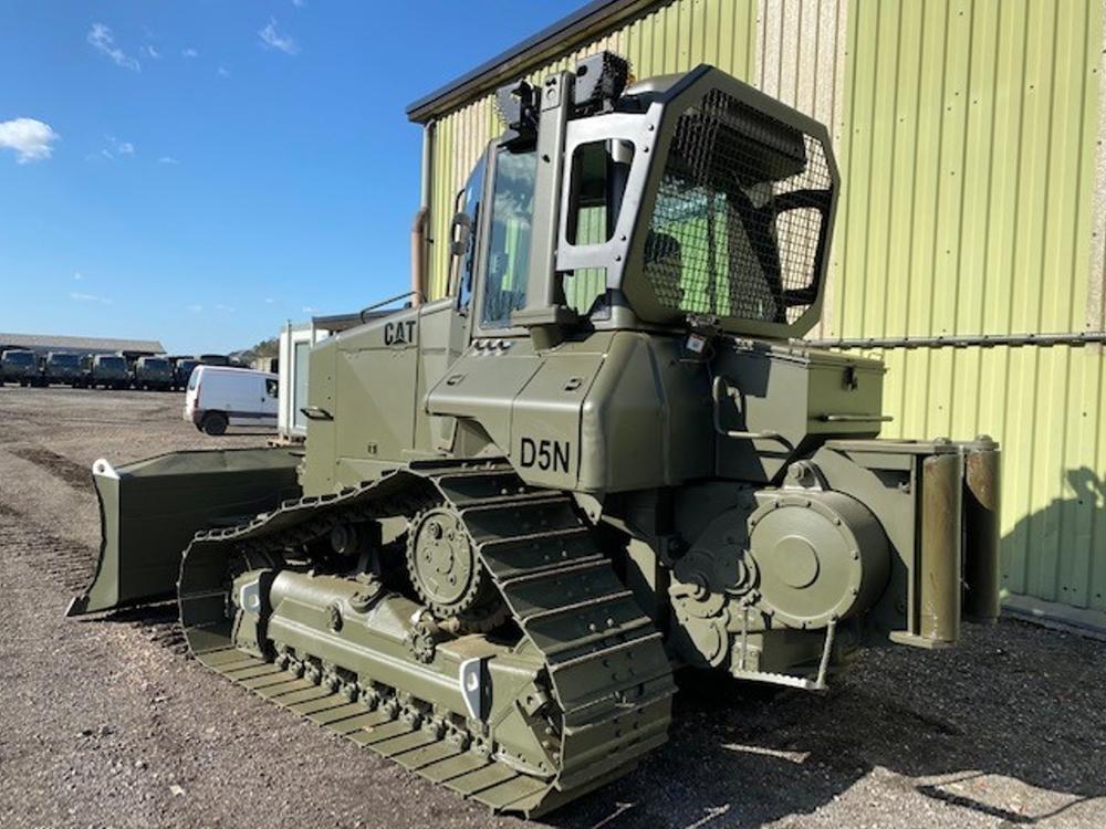 Caterpillar D5N XL Dozer with winch   Конверсионная техника с военного хранения