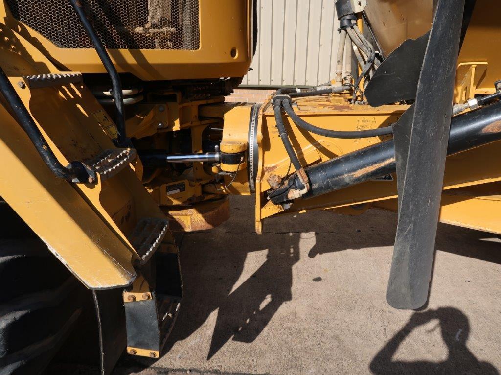 Caterpillar 730 C сочлененный самосвал | Конверсионная техника с военного хранения