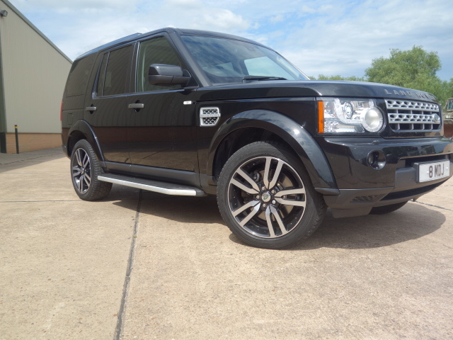 Latest arrival: Land rover discovery HSE TDV6 3.0