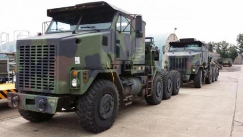 6 военных тягачей вездеходов Oshkosh M1070 на складе. | MOD direct sales