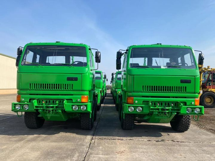 16 Leyland Daf 8x6 trucks are ready to shipping
