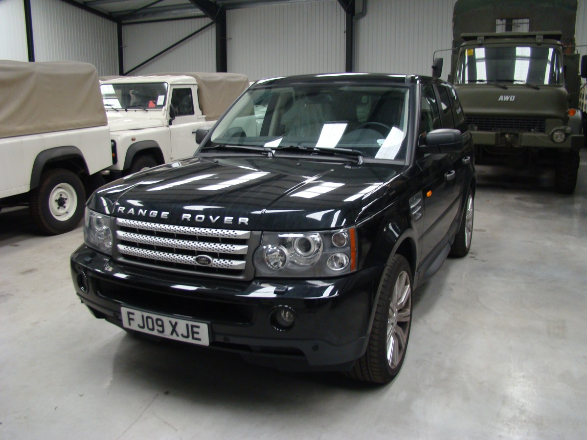 Armoured Range Rover vogue LHD V8. Armoured to B6 level/  for sale in Angola, Kenya,  Nigeria, Tanzania, Mozambique, South Africa, Zambia, Ghana- Sale In  Africa and the Middle East