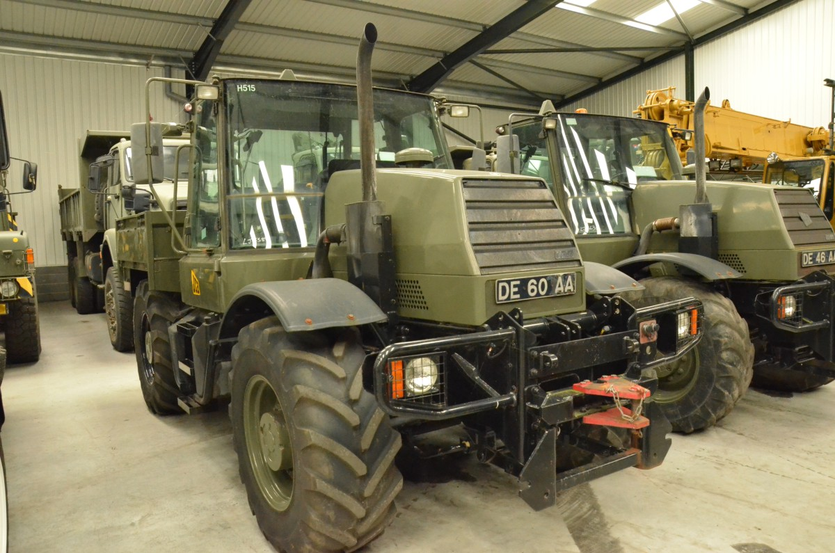 Jcb Fastrac 115 65 Military Tractor Used Military Trucks