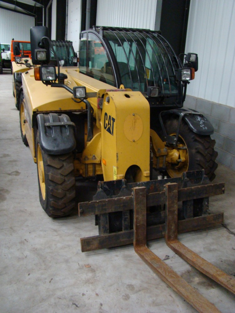 Caterpillar TH 210 teleporter/ MOD NATO Disposals/ for sale and export