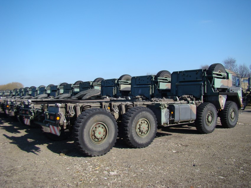 MAN CAT A1 Military  8x8 Tractor units for sale