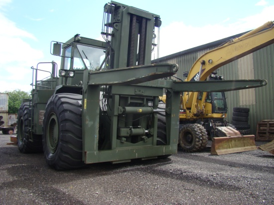 Caterpillar 988 RTCH Rough  terrain container handler |  EX.MOD direct sales