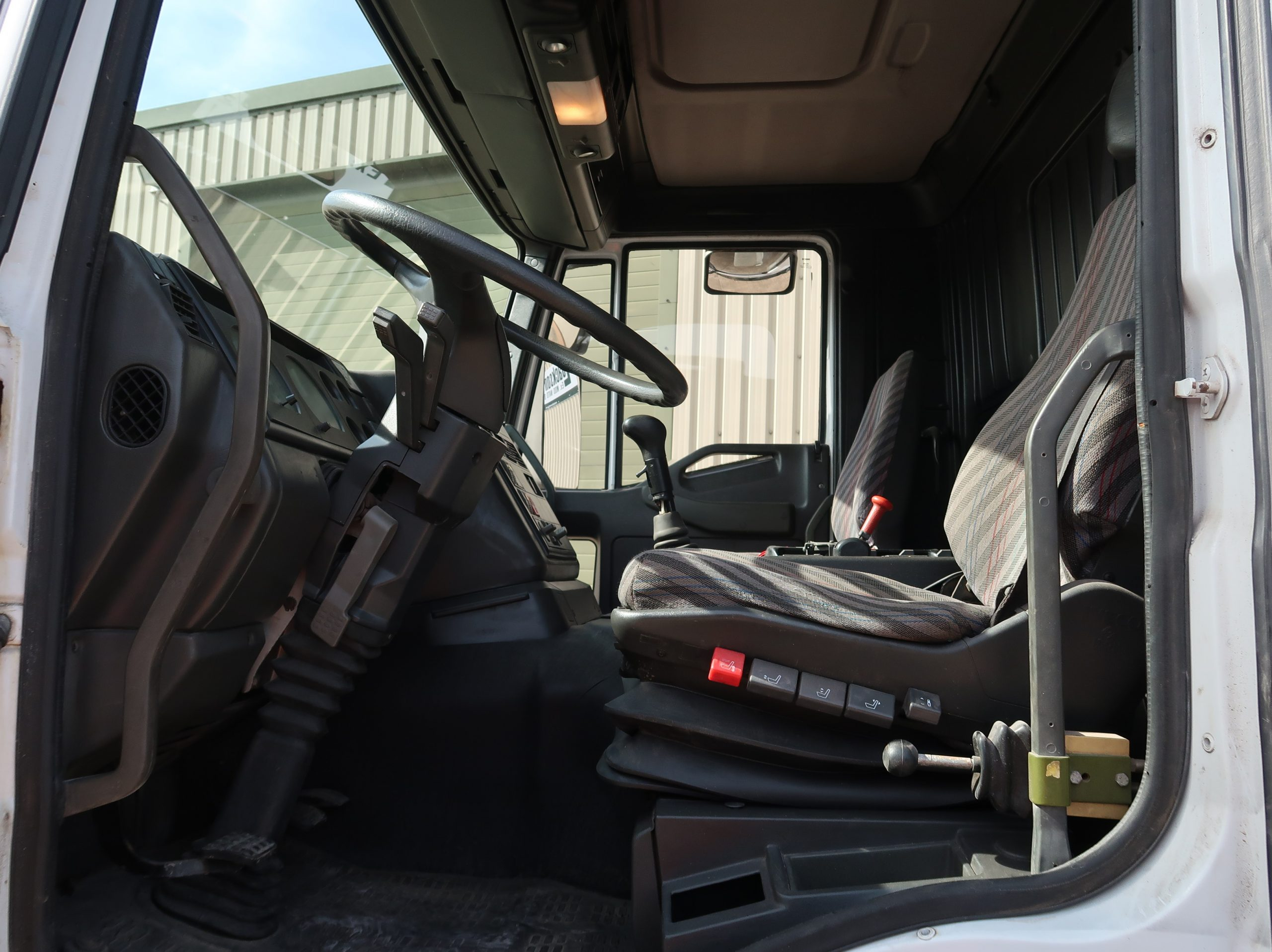 Iveco Eurotrakker 260E37 6x6 LHD tractor with crane 50317  military for sale