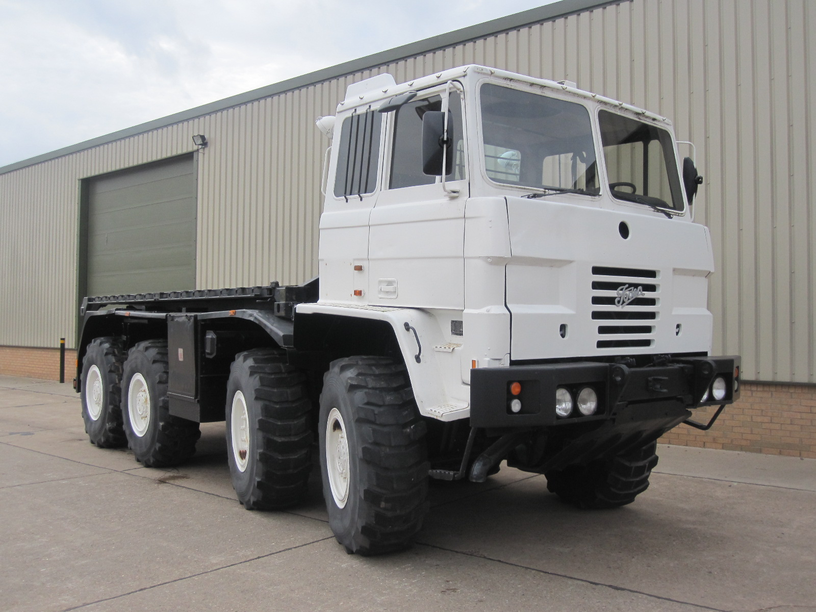 Foden 8x6 DROPS truck with multilift