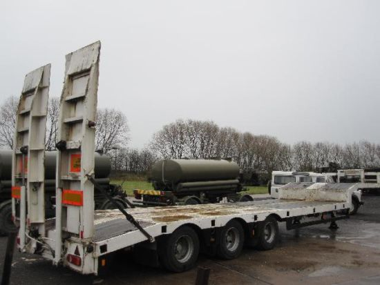 WAS SOLD Noteboom 3 axle  semi low loader trailer