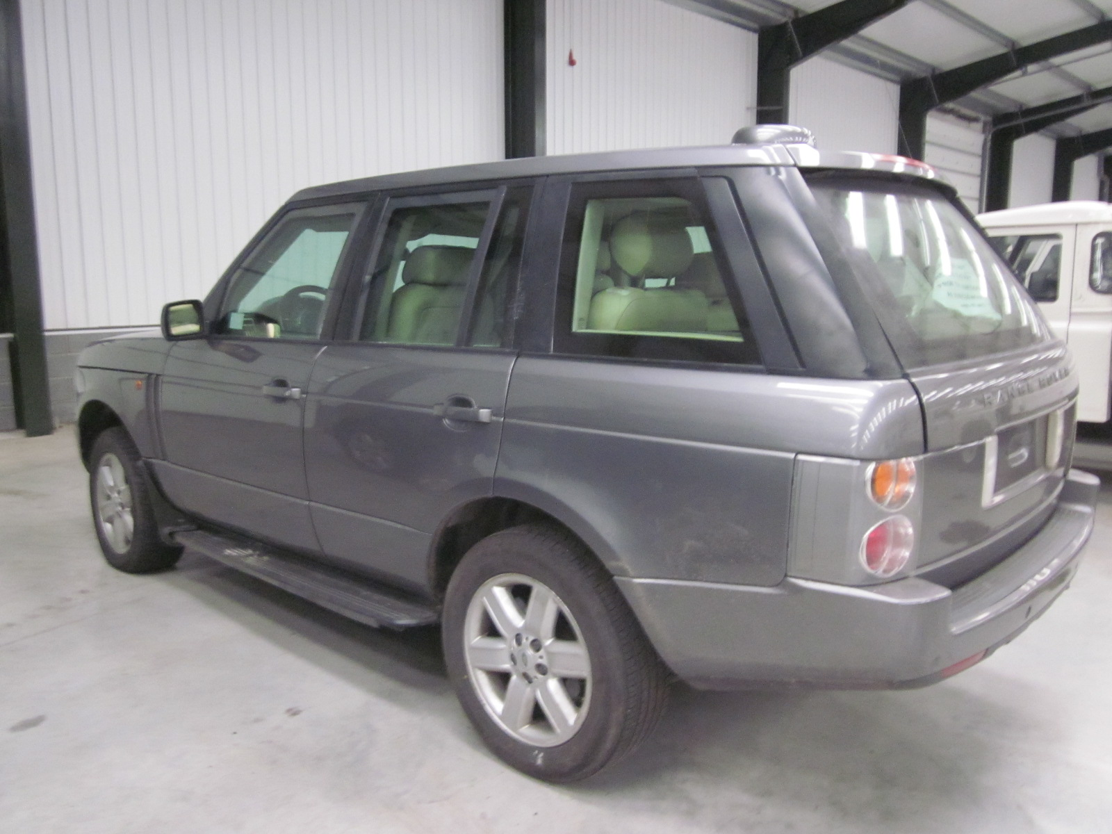 Armoured Range Rover vogue LHD V8 metallic grey for sale