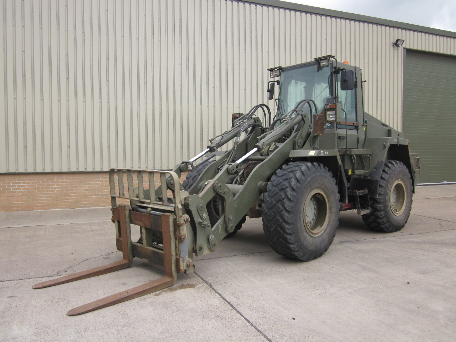 Case 721 CXT Forklift | Military Land Rovers 90, 110,130, Range Rovers, Mercedes for Sale
