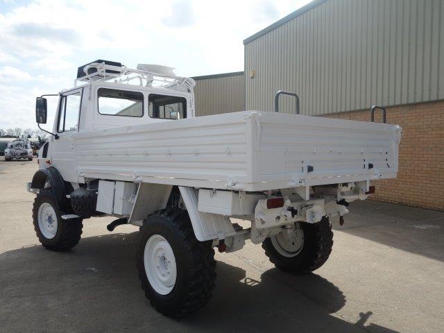 Mercedes Unimog  U1300L 4x4 Drop Truck with A/c for sale
