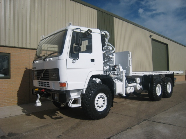 Volvo FL12 6x6 cargo platforms with Hiab 115-1 crane for sale