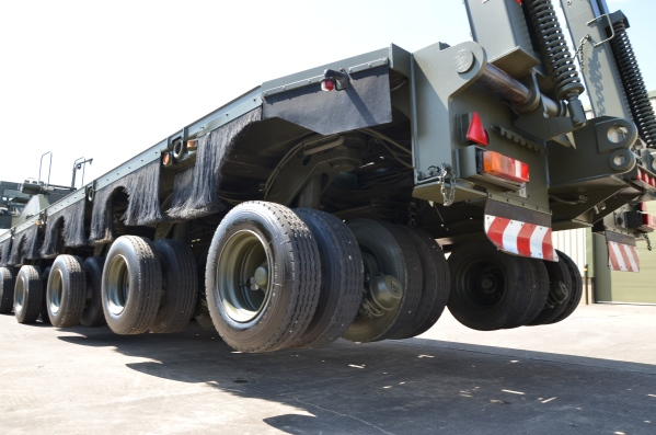 M1000 HETS 40-wheel, Semi-trailer heavy equipment transporter  for sale. The UK MOD Direct Sales