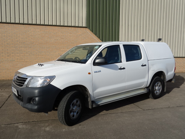 2014 2015 Toyota Hilux 2.5D Active Double Cab Pickup 4WD 4dr for sale | military vehicles