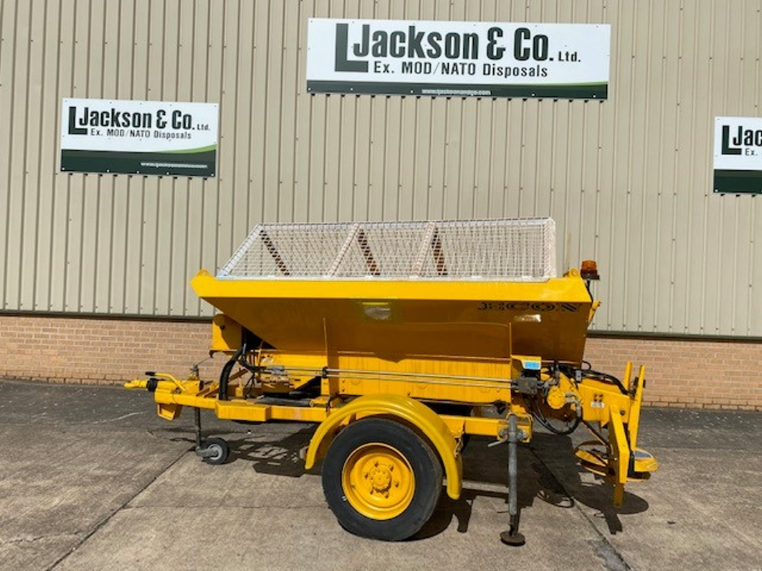 Econ towed gritter trailer  for sale