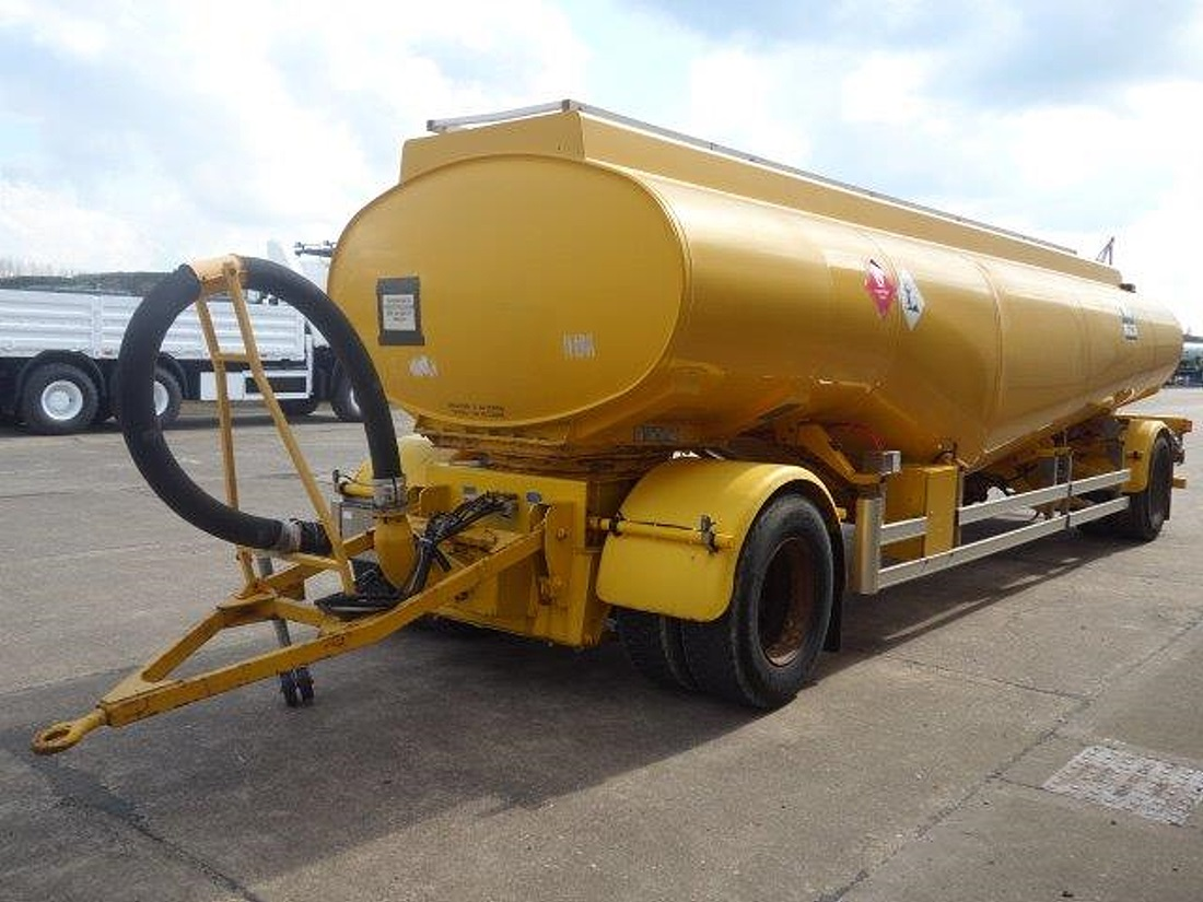 24,000 Litre Fluid  tanker trailer for sale | military vehicles
