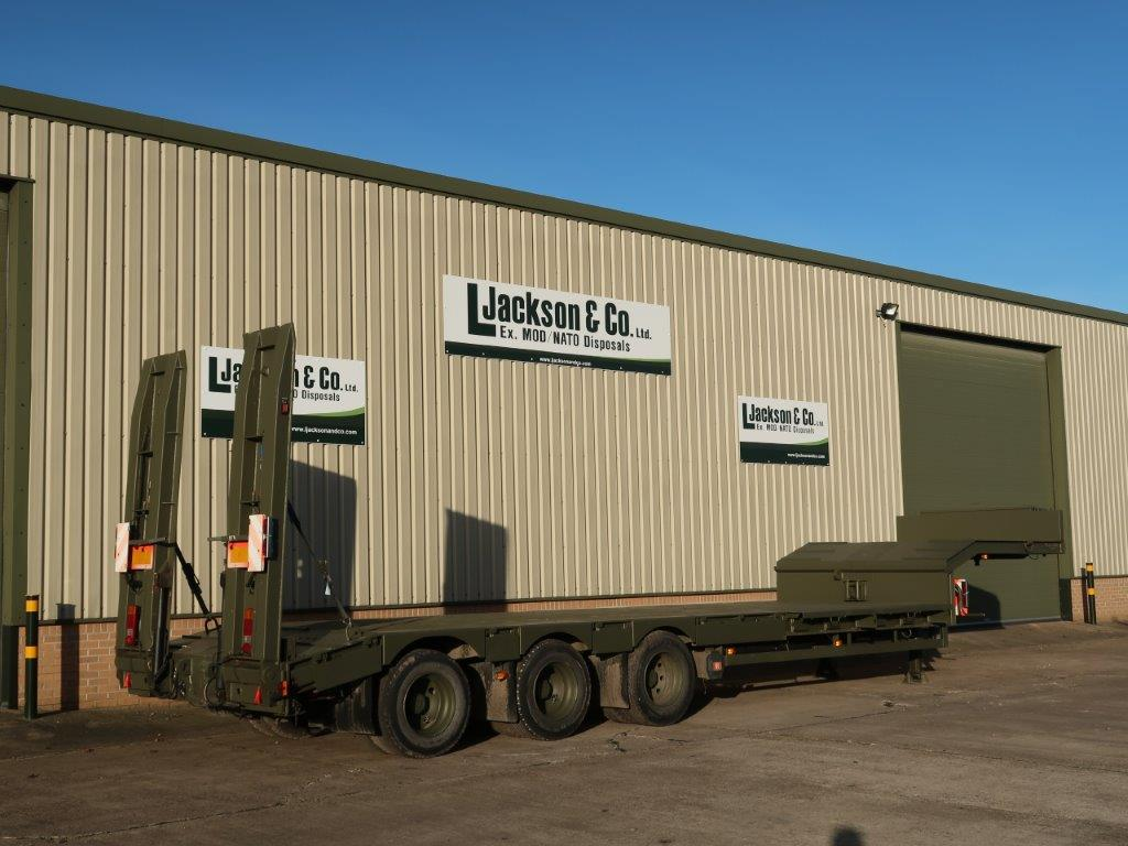 Broshuis E2130 Tri Axle Step Frame Low Loader Trailer for sale | military vehicles