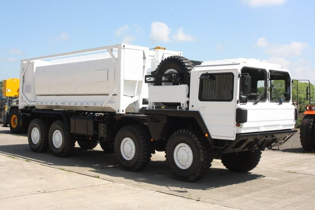 MAN Cat A1 15t 8x8 container carrier with Twistlocks