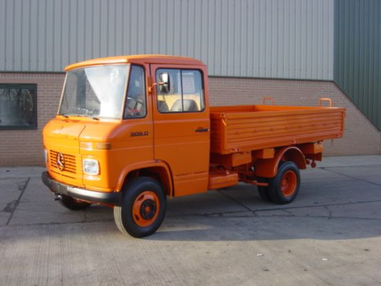 Mercedes Benz 508D Light cargo truck for sale