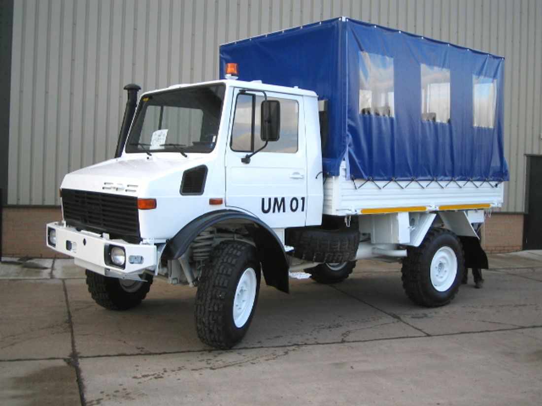 Mercedes unimog U1300L canopy personnel carrier truck