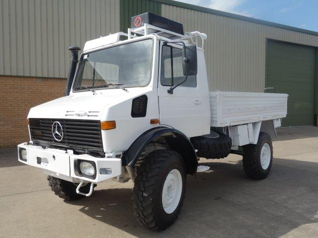 Mercedes Unimog  U1300L 4x4 Drop Truck with A/c | Military Land Rovers 90, 110,130, Range Rovers, Mercedes for Sale