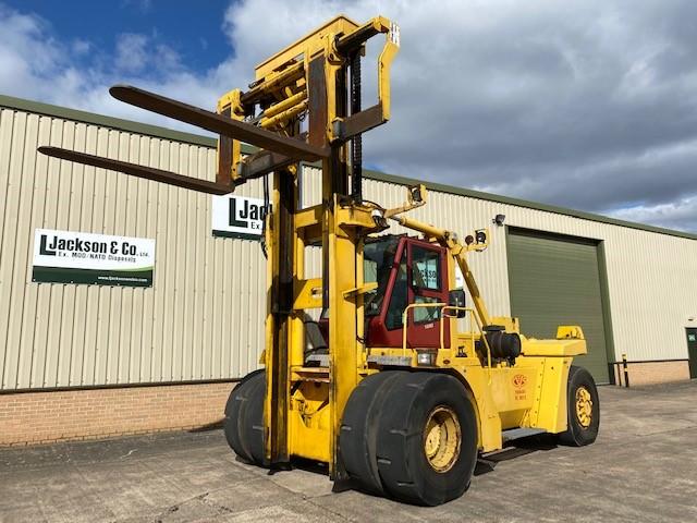 CVS Ferrari 2812 28 Ton Forklift  for sale