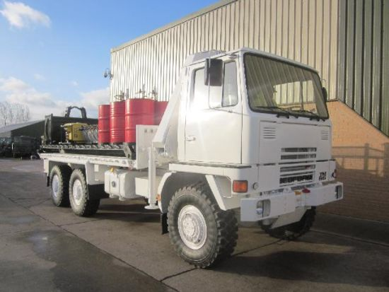Bedford TM 6x6 service truck with de mountable body