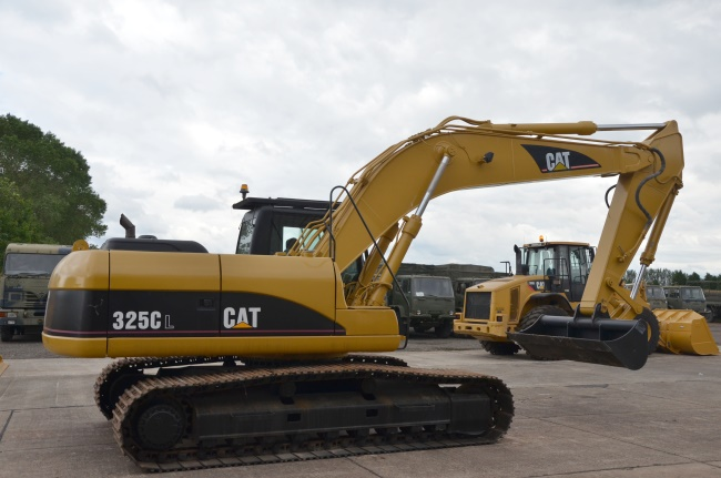 Caterpillar 325 CL tracked excavator | used military vehicles for sale