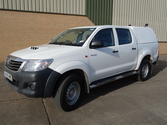 2015 Toyota Hilux 2.5D Active Double Cab Pickup 4WD 4dr for sale | military vehicles