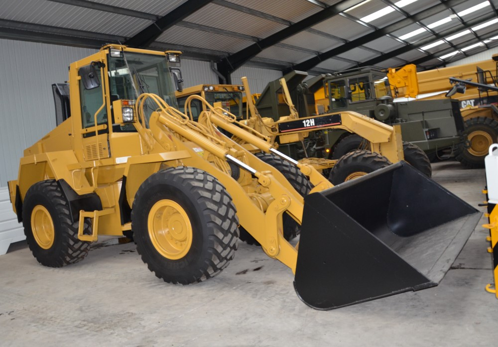 Case 721 CXT wheeled loader with bucket or forks