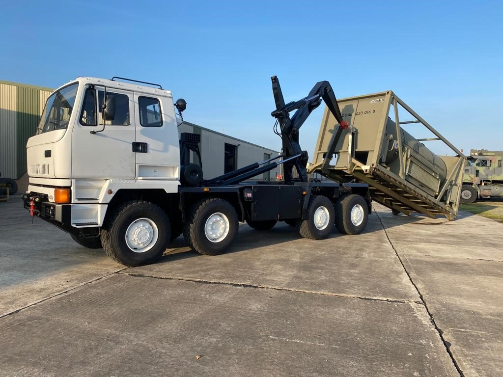 Leyland Daf 8x6 drops tanker truck for sale