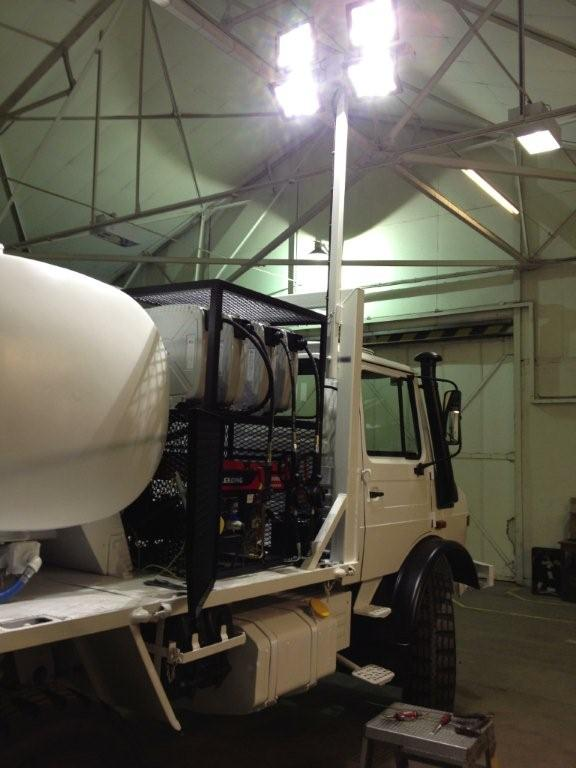 Mercedes unimog  4x4 service truck  military for sale