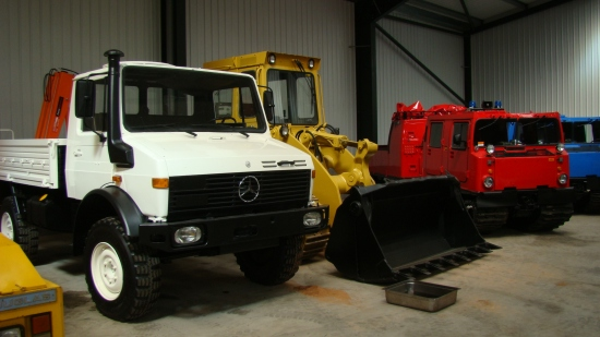 Mercedes Unimog U1300L crane truck for sale | military vehicles