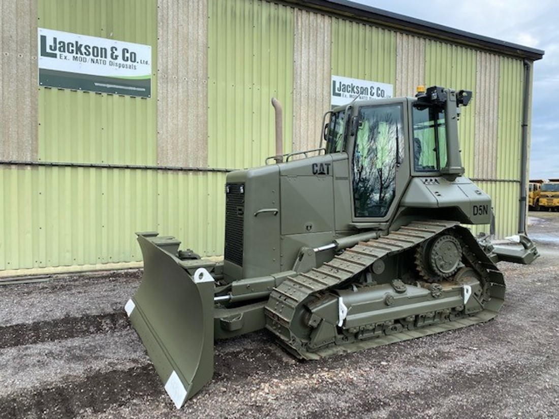 Caterpillar D5N XL Dozer with Ripper for sale