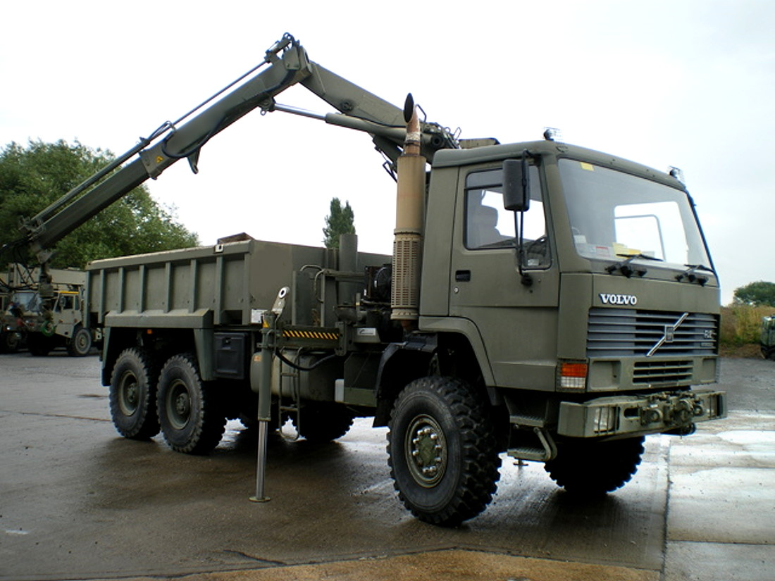 Volvo FL12 6x6 Tipper with clam sheel grab
