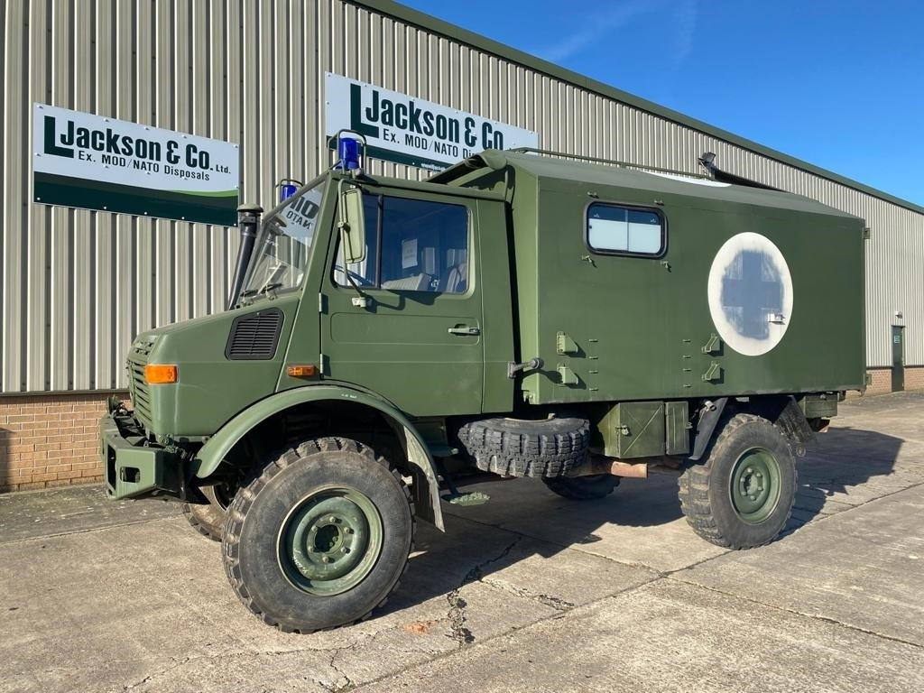 Mercedes Unimog U1300L 4x4 Ambulance (camper van) for sale