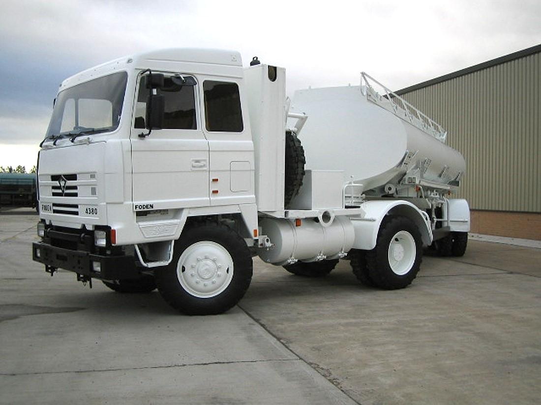 Foden 4380 MWAD 8x6 Multidrive Tanker truck 20000 Lt.  military for sale