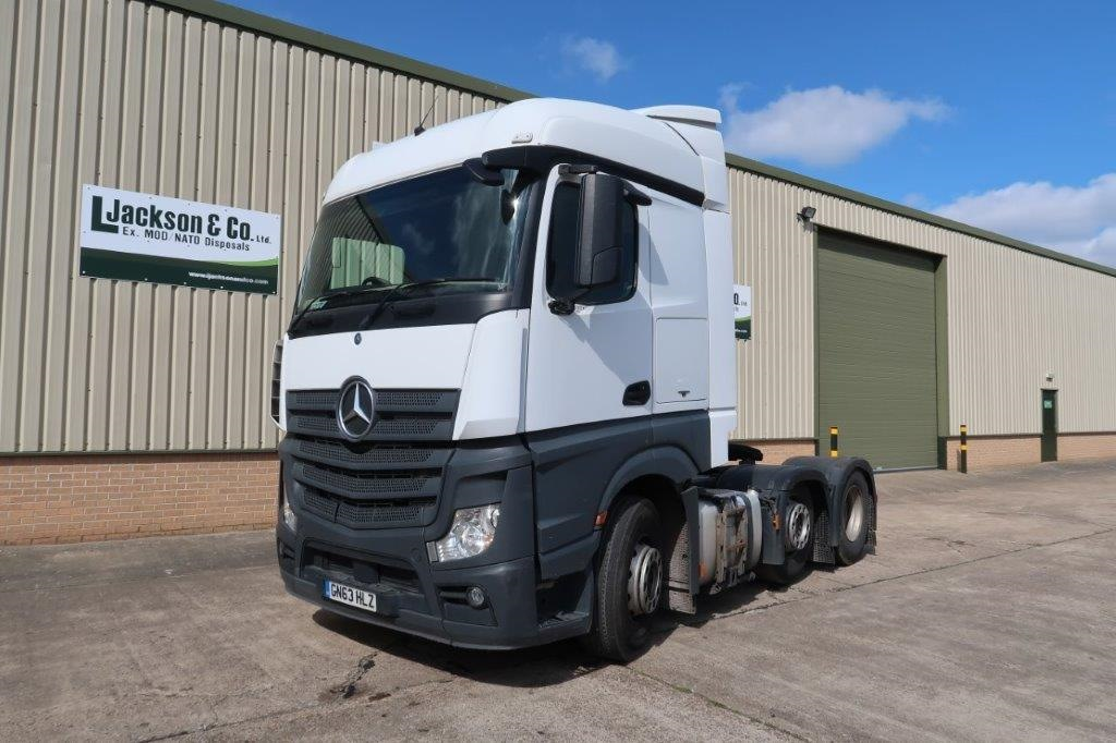 Mercedes Actros 2543 6x2 Tractor Units for sale | military vehicles