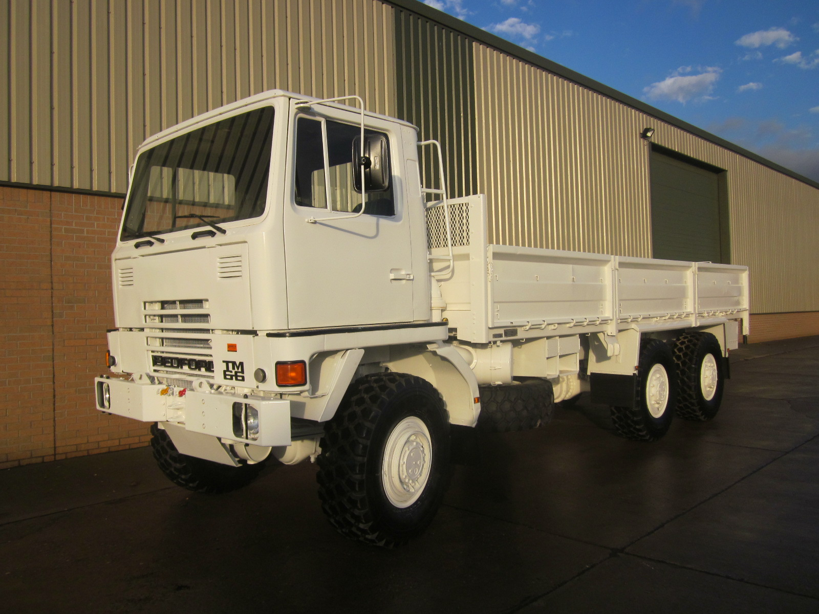 Bedford TM 6x6  container carrier for sale | for sale in Angola, Kenya,  Nigeria, Tanzania, Mozambique, South Africa, Zambia, Ghana- Sale In  Africa and the Middle East