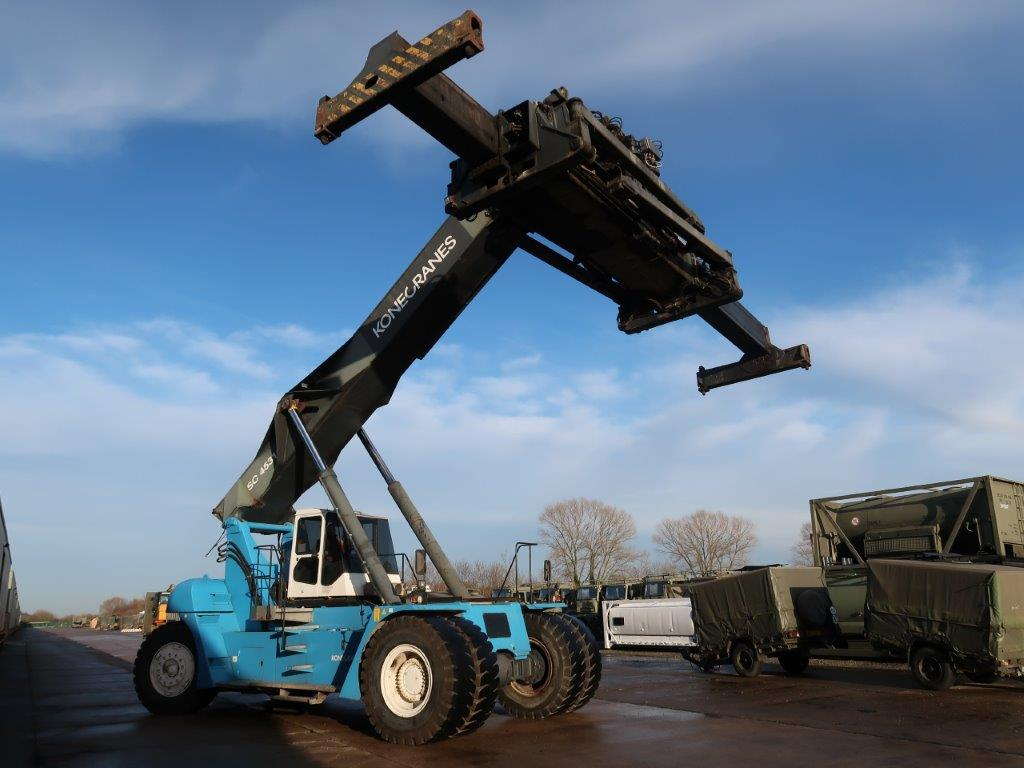 WAS SOLD SMV 4531 CB5 Container Reachstacker