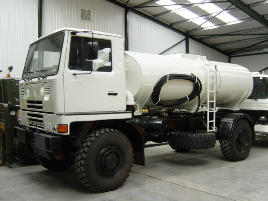 Bedford TM 4x4 8,000lt  tanker truck for sale