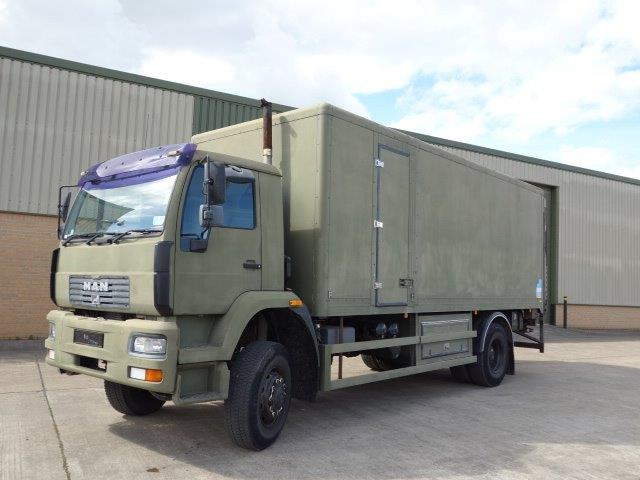 MAN 18.225 4X4 box truck |  EX.MOD direct sales