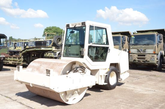 ABG Ingersoll Rand PUMA 171 vibration compactor roller  for sale. The UK MOD Direct Sales
