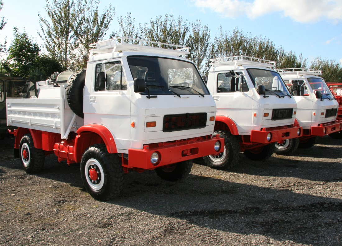 MAN 8.136 FAE 4x4 Drop side cargo truck for sale