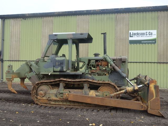 Caterpillar D7G Dozer with Ripper | Military Land Rovers 90, 110,130, Range Rovers, Mercedes for Sale