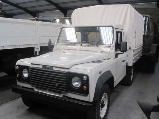 WAS SOLD NEW Land Rover 110 Defender  Pickup Cabs  300 Tdi / TD5 turbo diesel engine (LHD)
